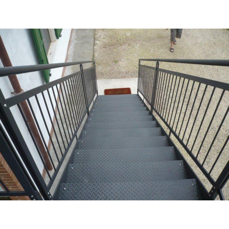 Escalier m tallique ext rieur for Escalier droit exterieur