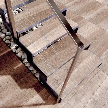IMAGINE CAMÉLÉON escalier en métal pas cher