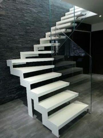 escalier métal bois verre