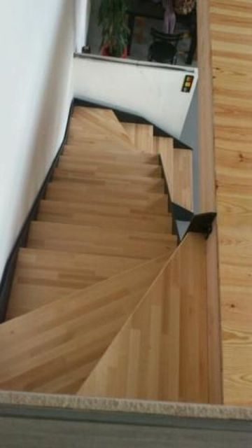escalier moderne metal bois