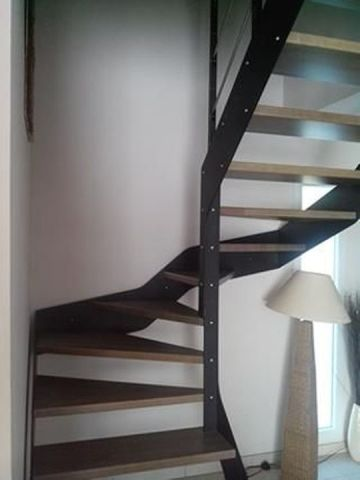 escalier limon métal marches bois
